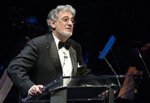 Plácido Domingo brings his music to the World Cup