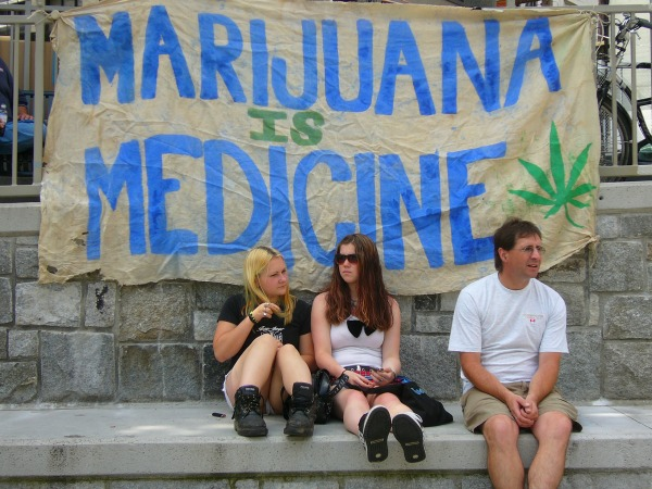 medical-marijuana_Frontpg