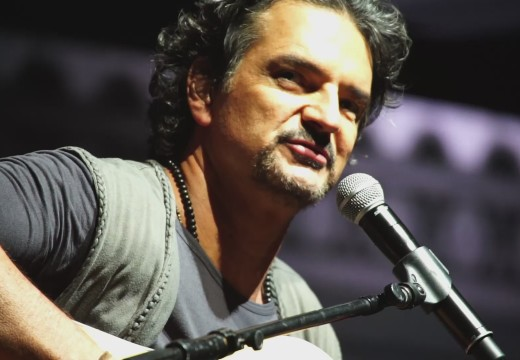 Buena Fe and Ricardo Arjona release song in social networks