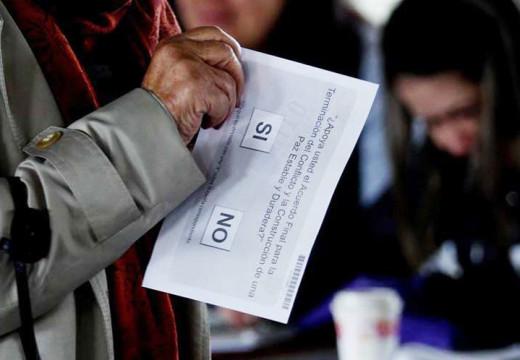Los votantes colombianos rechazaron acuerdo de paz histórico