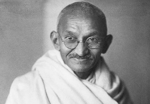 Gandhi sigue correcto después de 90 años: Vacunas son tóxicas, insalubes e ineficientes