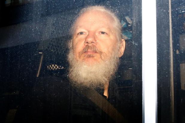 assange-use this_latinbriefs