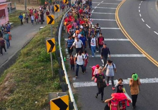 Honduras caravan, now 3,000 strong, heading north after  crossing the Mexican border