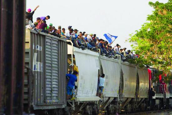 1,300 migrantes huyen de refugio de Chiapas, 700 son devueltos