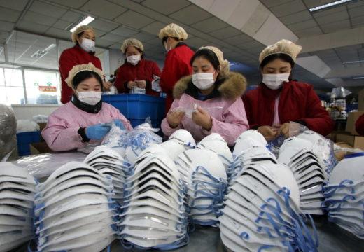 Funcionarios de salud de EE.UU. dicen que los estadounidenses no deben usar mascarillas para prevenir el coronavirus