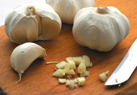 Clementine, ginger and garlic: Boost your immune system with powerful food cures
