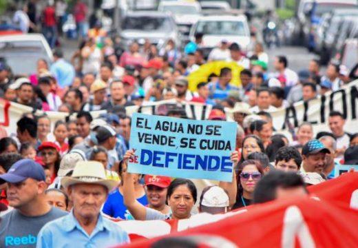 Líder sindical salvadoreño y protector de agua ofrecerá charla en el Área de la Bahía
