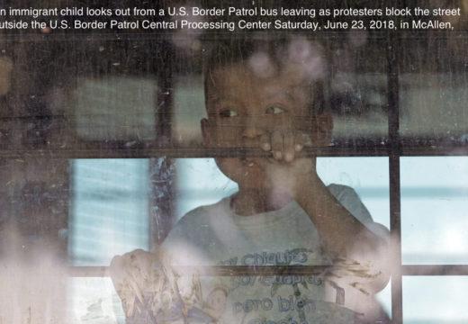 Miles de niños inmigrantes también están detenidos, lejos de sus padres de COVID-19
