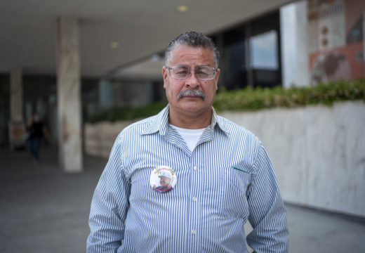 Deported veteran returns to U.S. to become American citizen