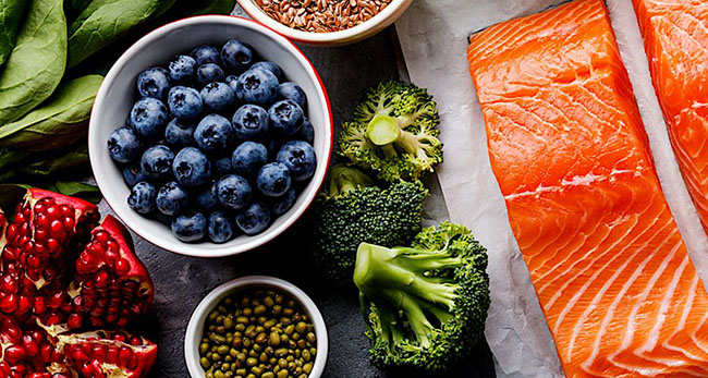 Look young and beautiful with these 20 common superfoods