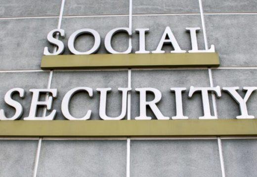 El crítico contable dice que el mayor problema al que se enfrenta el Seguro Social, Medicare son billones en deudas no financiadas
